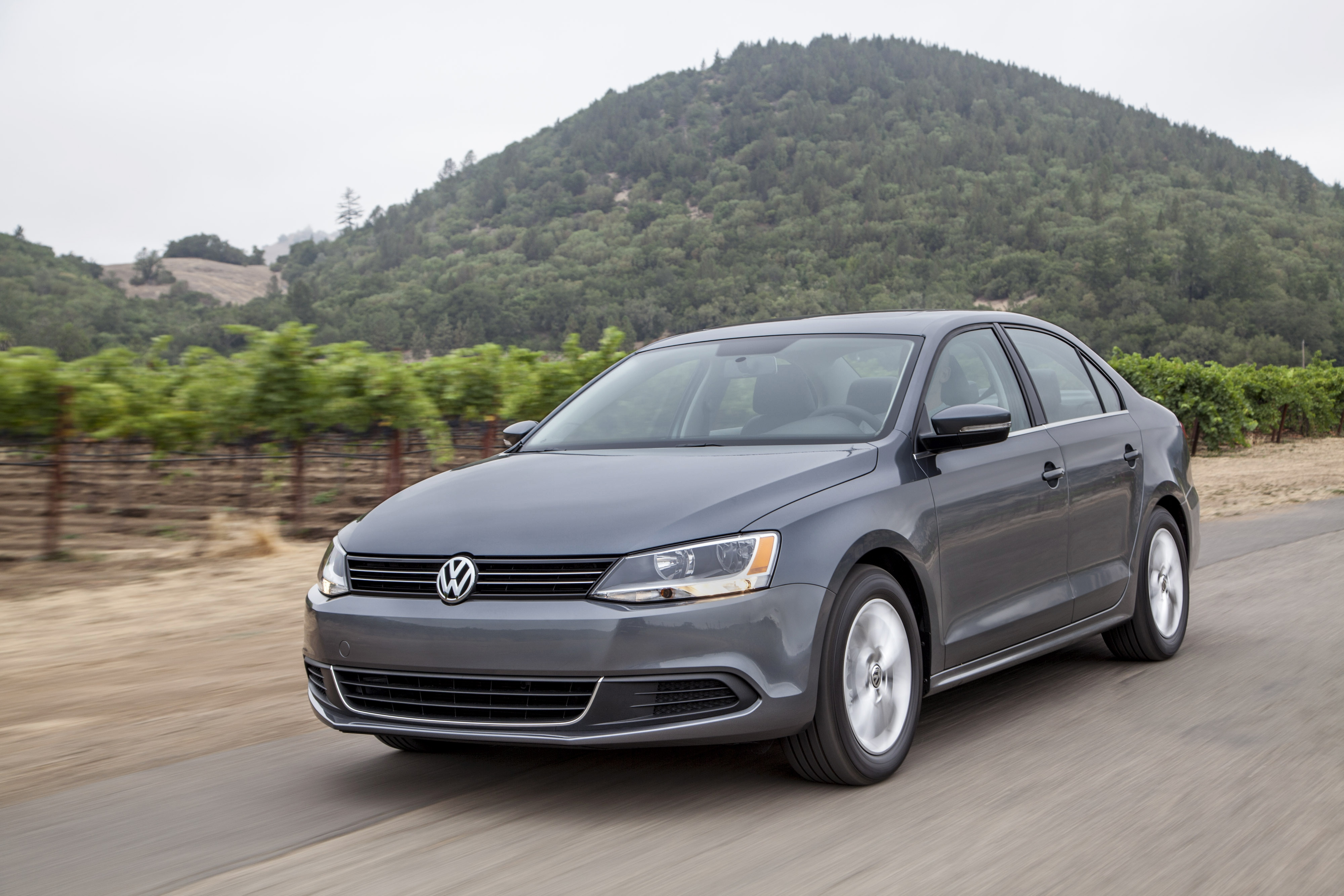 Volkswagen Passenger Cars Brand Delivers 923 100 Vehicles In First