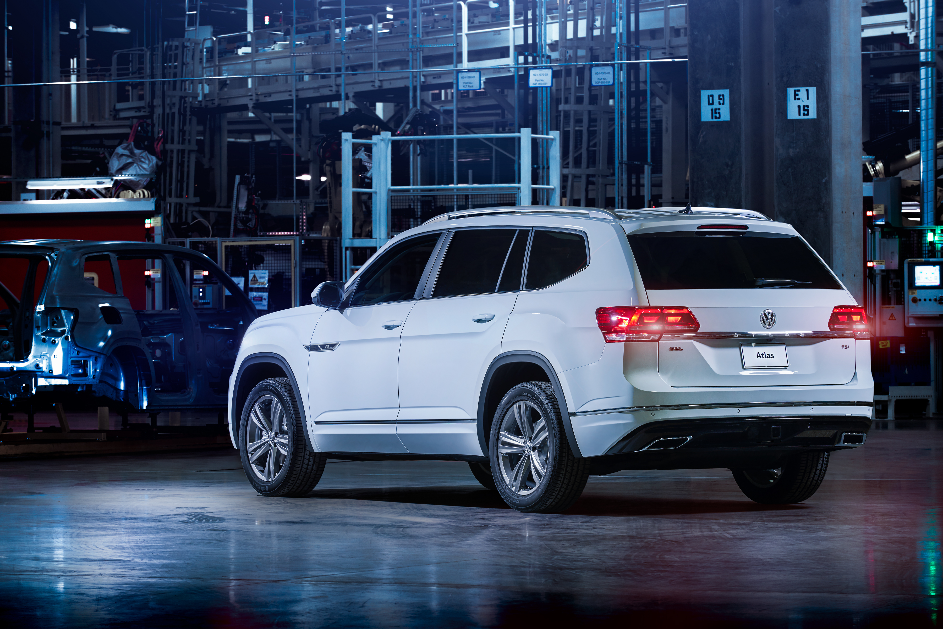 2018 VW Atlas R-Line: Styling, Interior, Arrival >> Volkswagen Introduces Performance Inspired R Line Xae