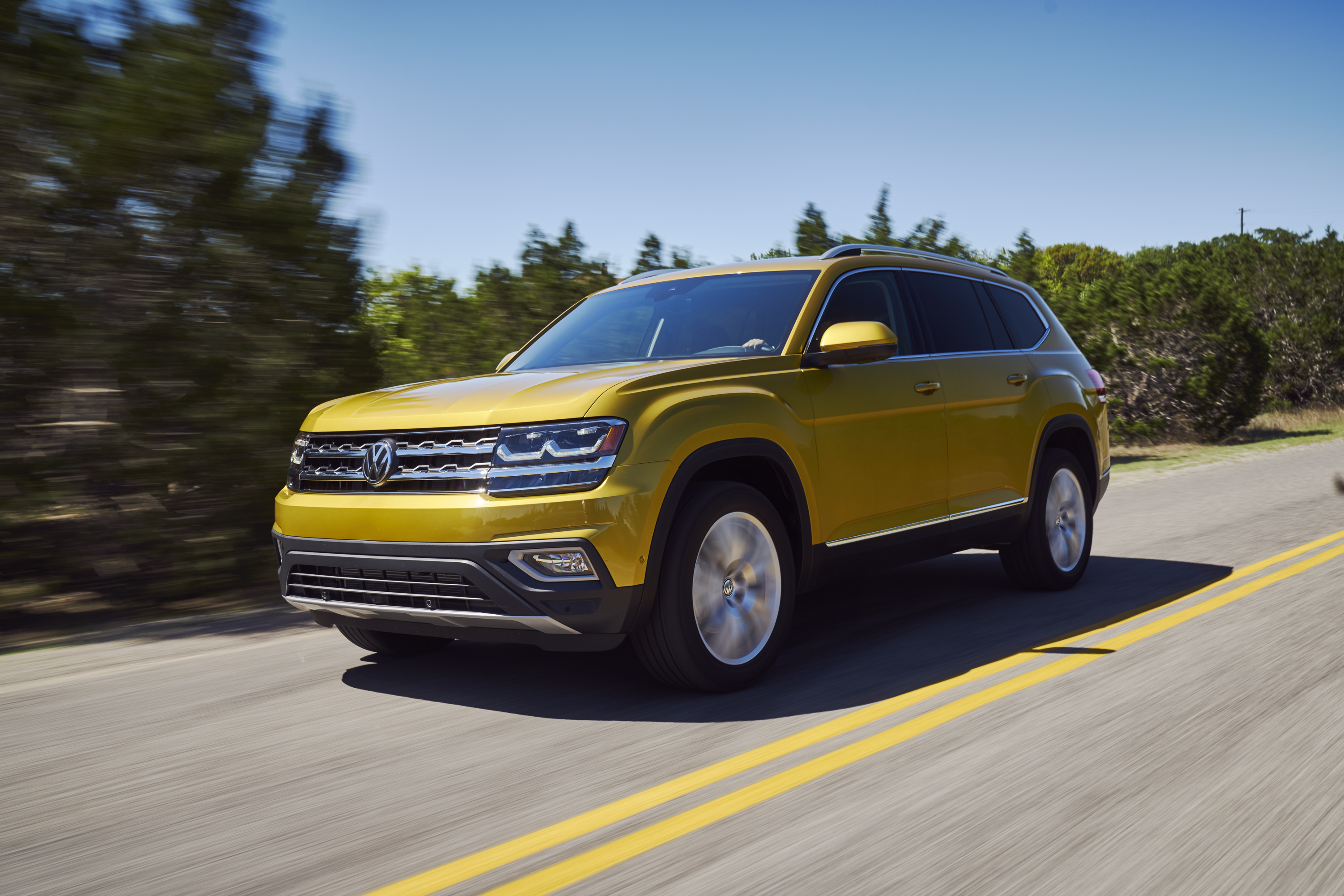 Best 3rd Row Suv 2017 >> Volkswagen Atlas Named Cars Com S Best 3 Row Suv Of 2017