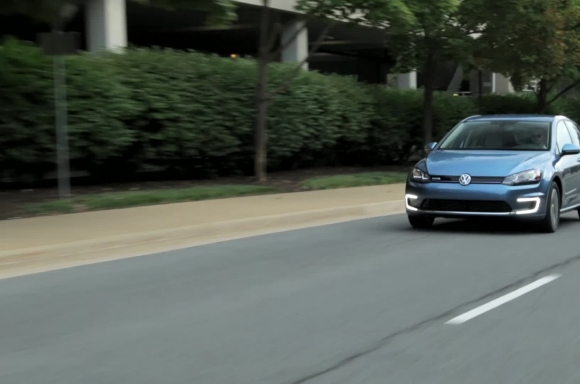 2015 e-Golf Moving B-Roll