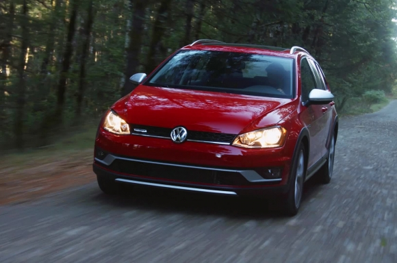 2017 Golf Alltrack B-Roll