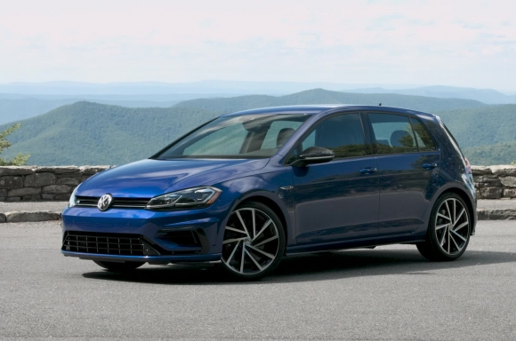 2018 Golf R Static B-Roll